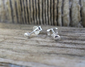 Vintage 925 Sterling Silver 3mm Dot Stud Earrings