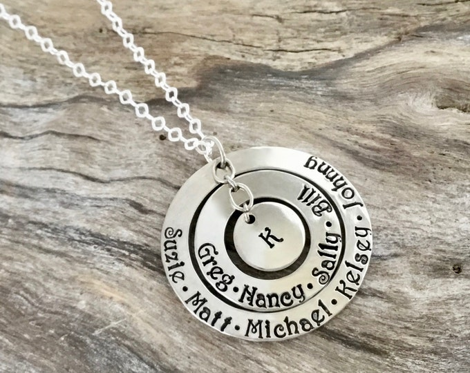 Mom Necklace with Kids Names / Sterling Silver Circle Necklace / Name Necklace / Name Jewelry / Necklace with Kids Names / Kid name Necklace