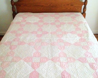 Antique Quilt, Beautiful Pink and White Quilt, Shoofly Pattern, Pastel Pink Quilt, Vintage Girl Quilt, Shoo Fly Quilt, 86x80