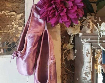 Ballet Pointe Shoes by Freed Vintage Lavender Shabby & Chic