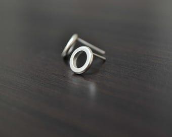 Geometric Circle Stud Earrings, Minimalist Simple Earrings, 925 Sterling Silver, Everyday Geometric Jewelry