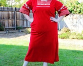 Plus Size - Vintage Red Velvet Peasant Style Maxi Dress (Size 12/14)