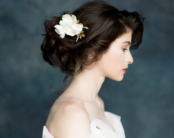 Ivory Flower Hair Comb, Bridal Headpiece, Wedding Hairpiece, Silk Flower Hair Comb, Gold Headpiece, Gold Flower Comb, Crystal Comb - FLORA