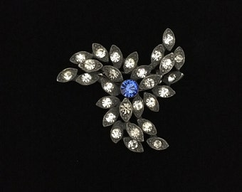 Vintage Cast Brooch with Clear Rhinestone; Blue Rhinestone Center PinWheel Brooch (ABX1C)
