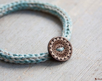 French knitted linen bracelet | natural linen | Natural Coconut Shell Button