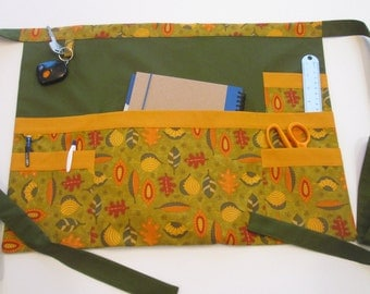 Teacher Apron | Utility Apron | Vendor Apron | Teacher Gift Apron | Sales Apron | Craft Show Apron | Pockets Apron | Handmade Apron