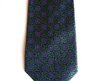 Vintage men tie. Men's tie in purple and green geometric pattern. Cortefiel.