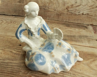 Gypsy fortune teller / Porcelain figurines / Vintage Soviet  Figurine / collectible porcelain figurine / home decor porcelain figurine