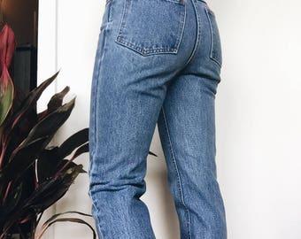 Vintage High Waisted Jeans Size 2 Fit. 1980's Mom Jeans. Broken-in Vintage Blue Jeans.