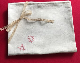 Large white dishcloth, handmade embroidered, red monogramme VD