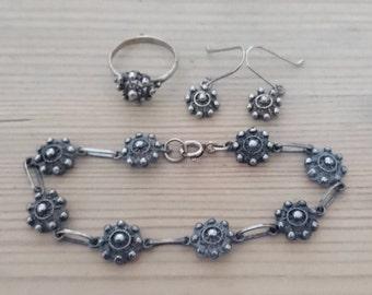 Vintage sterling silver bracelet, earrings and ring set