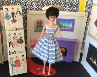 Vintage Brunette Bubble Cut Barbie (Box,Stand,Suburban Shopper Outfit, Stand & Shoes)