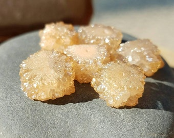 6pcs Champagne Colored  Small Druzy Beads for Jewelry Making, Druzy Pieces, Druzy Beads,Little Geode Beads for Stringing,Druzy Necklace