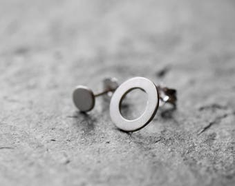 Asymmetrical circle earrings, geometric earrinfs, minimalistic earrings, minimal silver stud earrings, silver post circle earrings