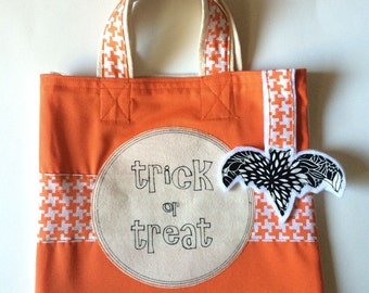 Trick or Treat bag // Halloween Bag // Halloween Trick or Treat // Halloween Candy Tote Bag // Fabric Halloween Bag // Bat Black and Orange