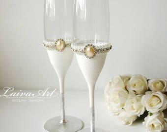 Silver Wedding Champagne Flutes Wedding Champagne Glasses Bride and Groom Flutes Boho Wedding Toasting Flutes
