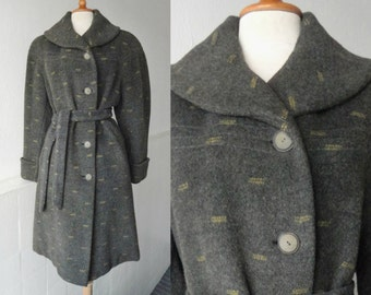 Gray 50s Vintage Wool Coat With Beige Pattern  // Belted // Size M/L