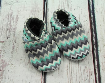 baby and toddler crib shoes - non slip baby shoes - chevron fleece baby shoes - baby shower gift - 6-12 month baby shoes - toddler shoes