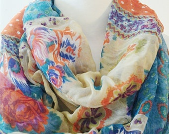 Multi Colored Infinity Scarf / Printed Fabric Scarf / Gift for Her / Gift Ideas.
