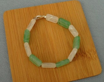 """Green and White/Clear Glass Beaded Bracelet - 8""""/20cm"""