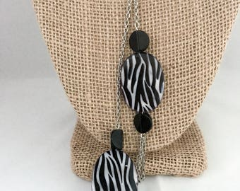 Zebra necklace, zebra pendant necklace, black beaded necklace, pendant necklace, black necklace, black pendant necklace, necklace zebra