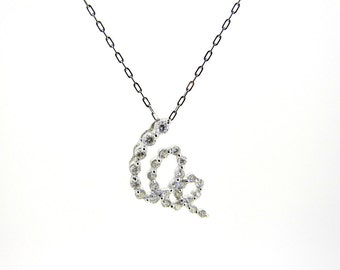 18k White Gold Looping Round Diamond Necklace
