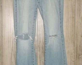 Vintage Lee Distressed Jeans 31 X 31 Ripped Knee Denim Light Wash Faded Soft Frayed Raw Hem 90s Desroyed Shred