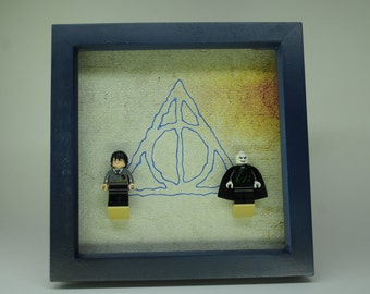 LEGO Harry Potter and Voldemort in a box frame