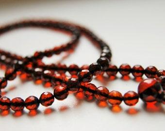 Sparkles - 108 baltic amber mala for meditation (size Ø6,9 colour 5).