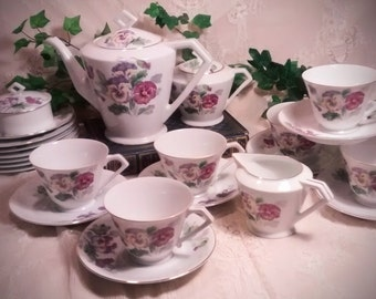 Vintage Noritake Tea Set with Purple Pansies – Teapot, Sugar Bowl, Creamer, 6 Cups, Saucers, and Dessert Plates, and a Small Covered Dish