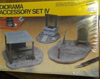 Diorama Accessory Set IV, Testors, Railroad, WWII  buildings 1/35 scale, Checkpoint, First Aid Station, Draw Well