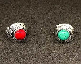Man-made Red or Green Round Turquoise and Silver-plated Ornate Fashion Rings