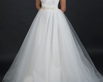 Bridal lace bodice tulle layered skirt wedding gown