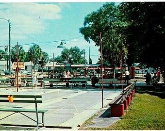 Vintage Florida Postcard - Shuffleboarding in Zephyrhills (Unused)