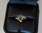 Vintage 10K YELLOW GOLD EMERALD Diamond Ring 2.3 g Ladies Valentine