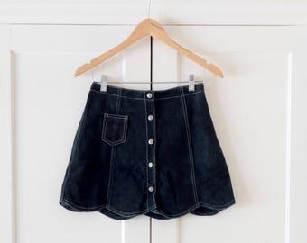 Vintage Suede Dark Blue Navy Bohemian Rocker Mini Skirt / Scalloped Edge / High Waisted / Festival / Size 4 / 1960's / 1970's / 90's