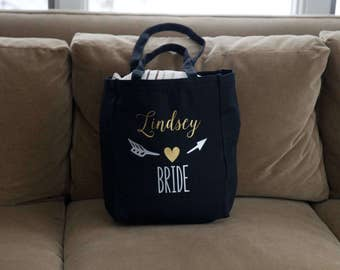 Bridesmaids tote bag. Personalized gift with name and title. Heart Arrow design. Bachelorette party gift. Getting ready for the big day!