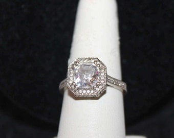 Vintage 10K White Gold and CZ Ring
