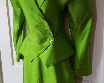 THIERRY MUGLER SUIT // 24 Woman Paris France Couture Runway Silk Lime Neon Green 2 Piece Suit Blazer Jacket Size Structured 90's Designer