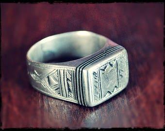 Tuareg Silver Ring with Ebony Inlay- Size 6.25