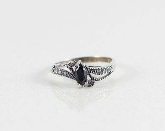 Sterling Silver Marcasite and Black Onyx Ring size 11 1/4