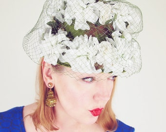"""60s White and Green """"Flower Pot"""" Hat"""