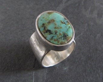Sterling silver wide band turquoise ring / size 7 / handmade ring / artisan ring / rustic ring / cast silver ring / green turquoise