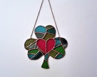 Shamrock Suncatcher with Bright Red Heart, 7x7 Inch Shamrock Mosaic,Made-To-Order Green Glass Shamrock,Saint Patricks Decor,Irish Decoration