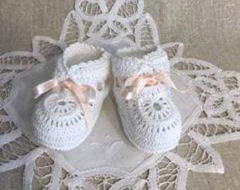 Baby booties, Crochet booties, Hand crochet baby booties, Baby girl booties, Baby gift, Baby shower gift, Gift announcement for new dad
