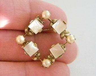 Small Mother of Pearl Look with Round Accent Pearls Pin Brooch