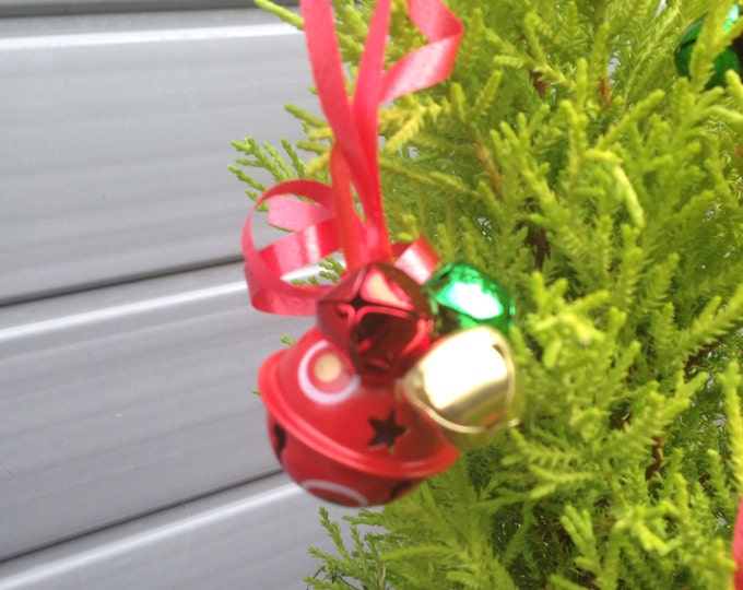Red Santa sleigh bell tree ornament with jingle bells, red jingle bells, red gold green Christmas decoration, Christmas jingle bells, xmas