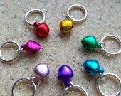Jingle Knit - set of 7 stitch markers