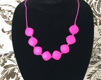 Teething necklace fuchsia