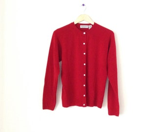 Soft vintage cardigan. 90's red buttton down sweater. Size large